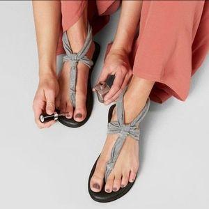 NEW Sanuk Yoga Sandals